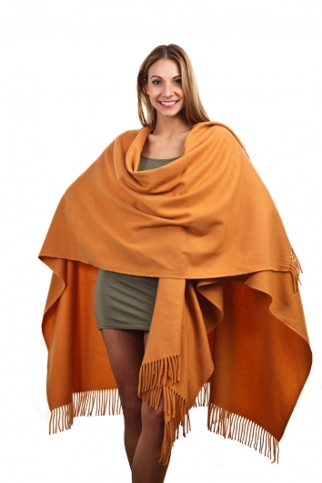 Cape in 24 Farben, 100% feine Wolle / Lambswool, 130 x 190